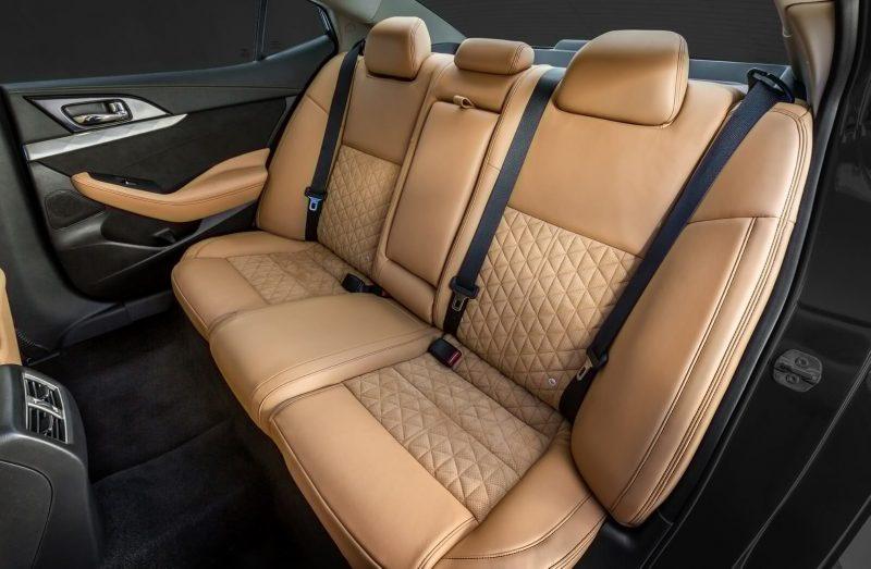 Задний диван Nissan Maxima
