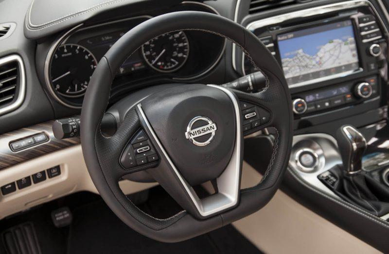 Рулевое колесо Nissan Maxima