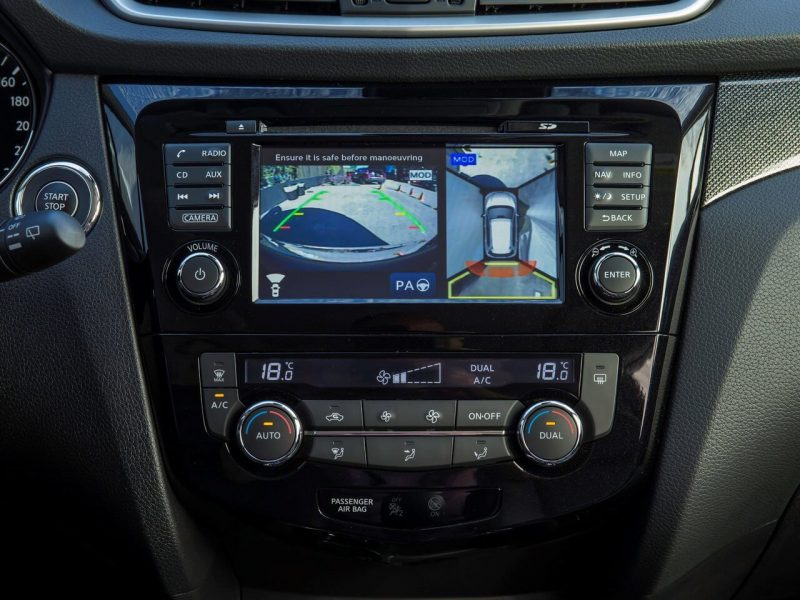 Бортовой экран Nissan X-Trail (T32)