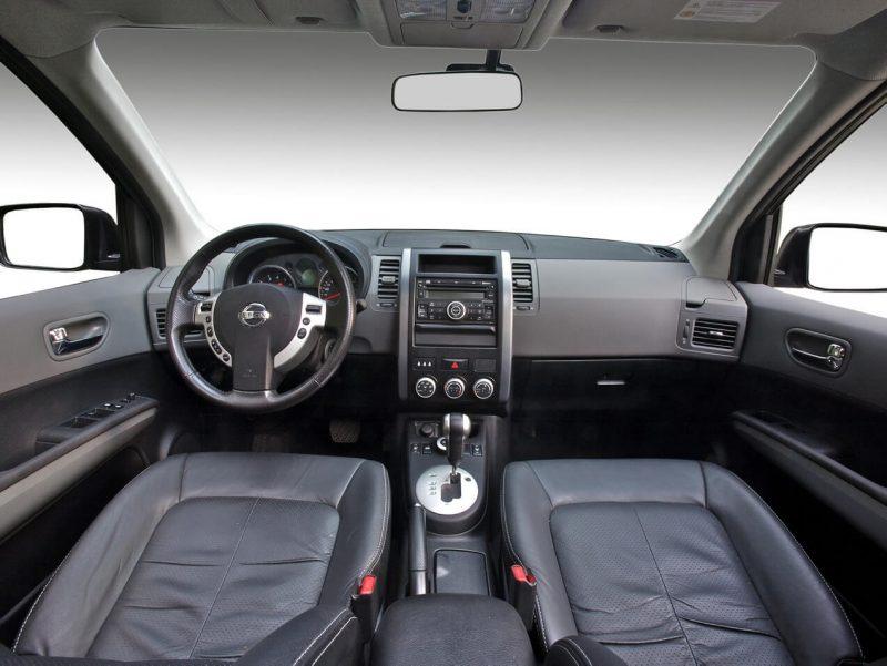 Интерьер Nissan X-Trail (T31)
