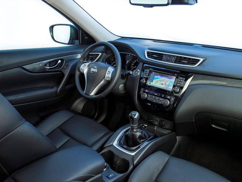 Nissan X-Trail (T32) интерьер