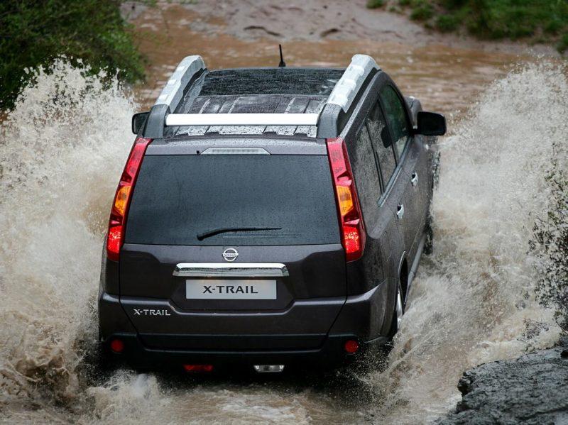 Вид сзади Nissan X-Trail (T31)