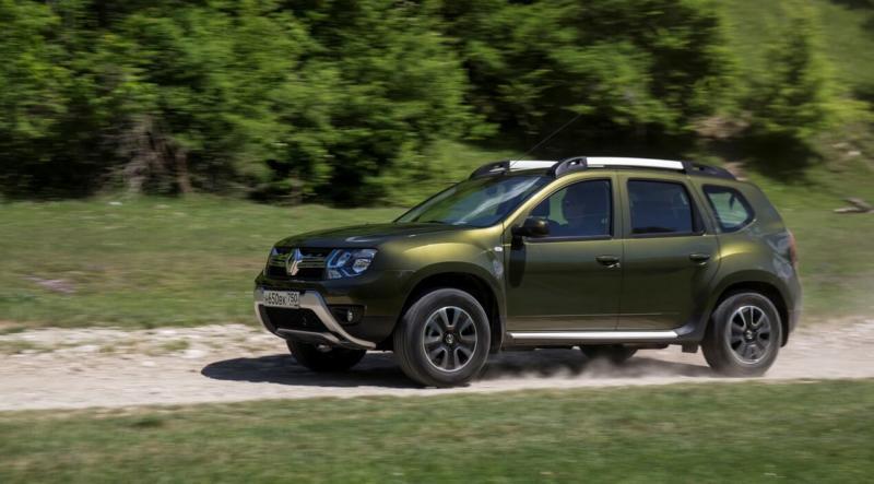 Renault Duster вид сбоку