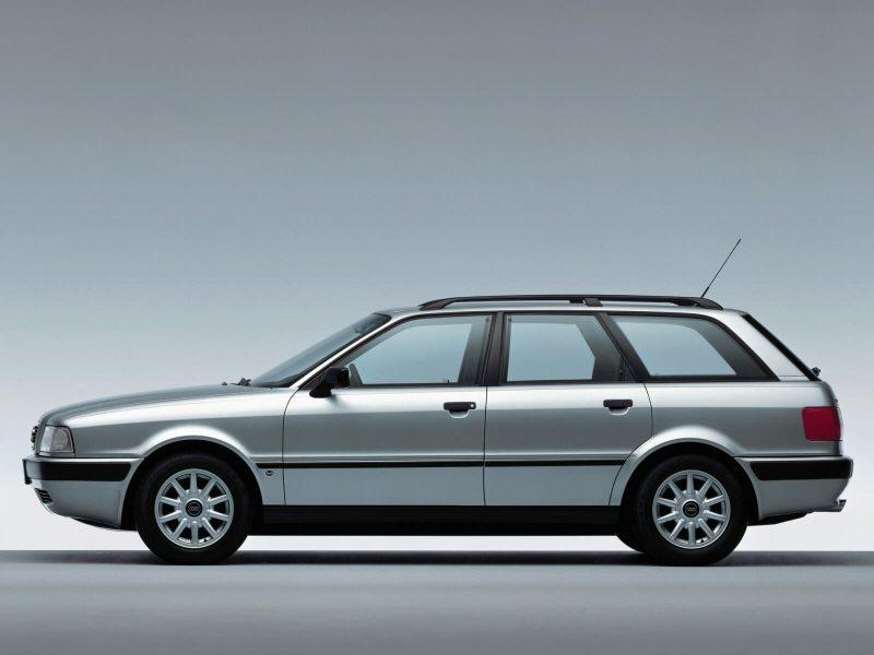Вид сбоку Audi 80 B4