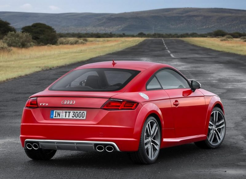 Вид сзади Audi TT