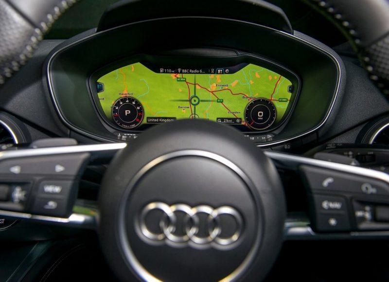 Приборная панель Audi TT