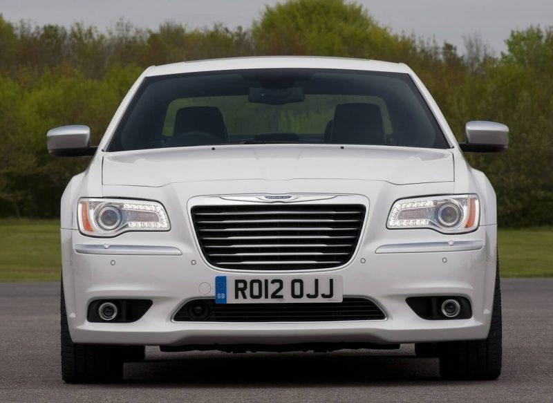 Фото нового Chrysler 300C II