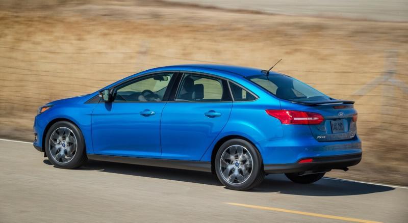 Вид сбоку Ford Focus