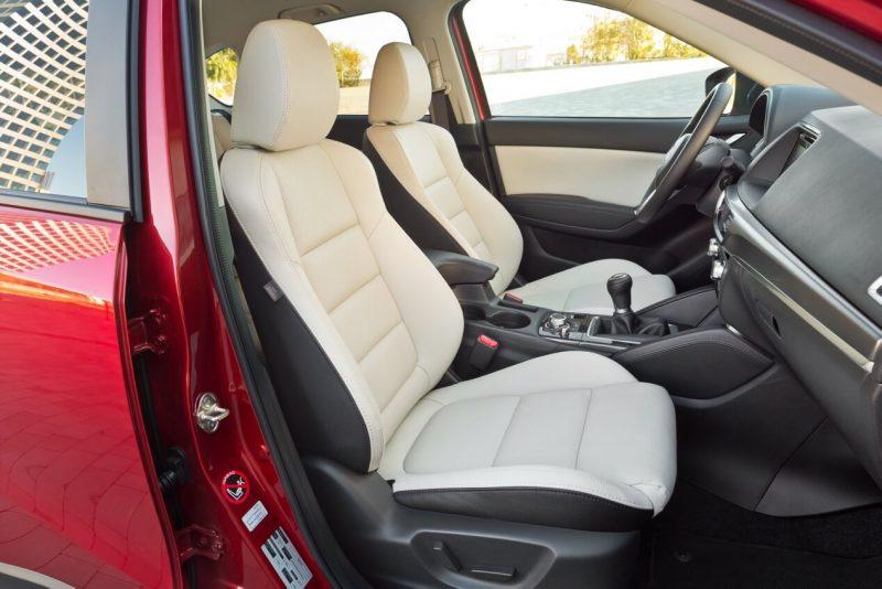 Передние кресла Mazda CX-5