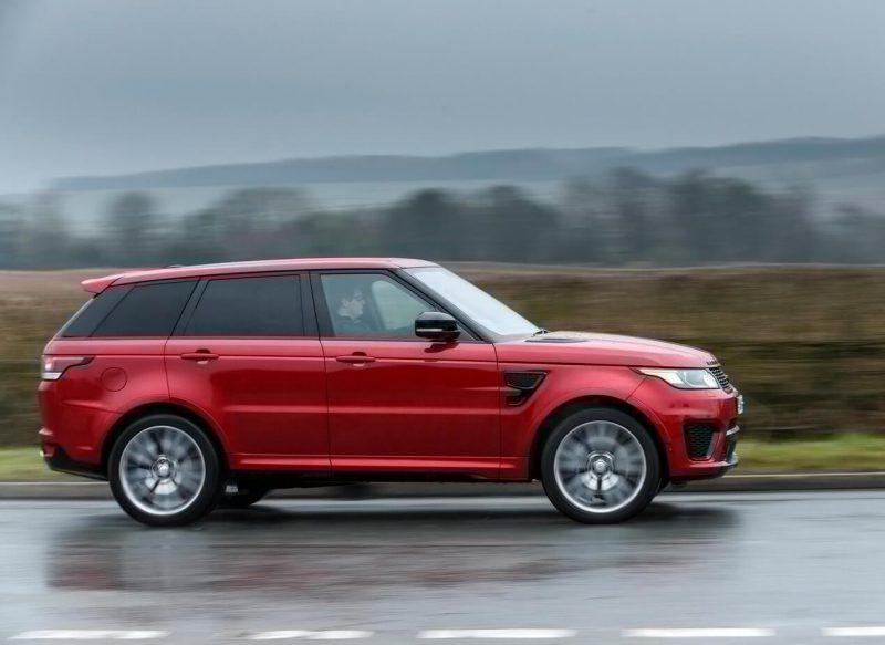 Вид сбоку Land Rover Range Rover Sport SVR