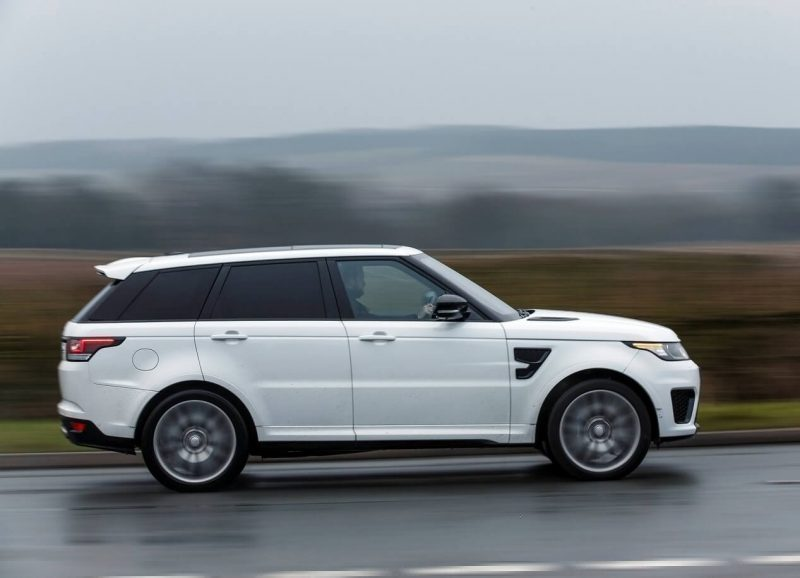 Range Rover Sport SVR вид сбоку