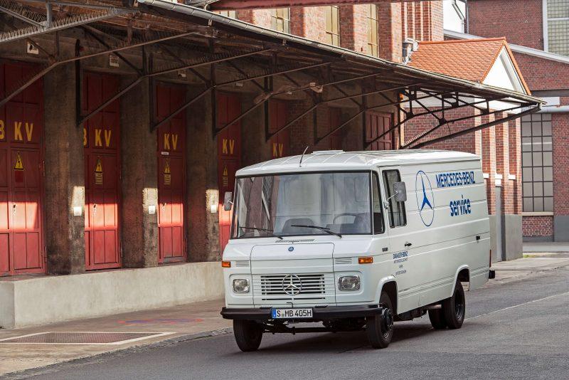 Авто Mercedes-Benz T2