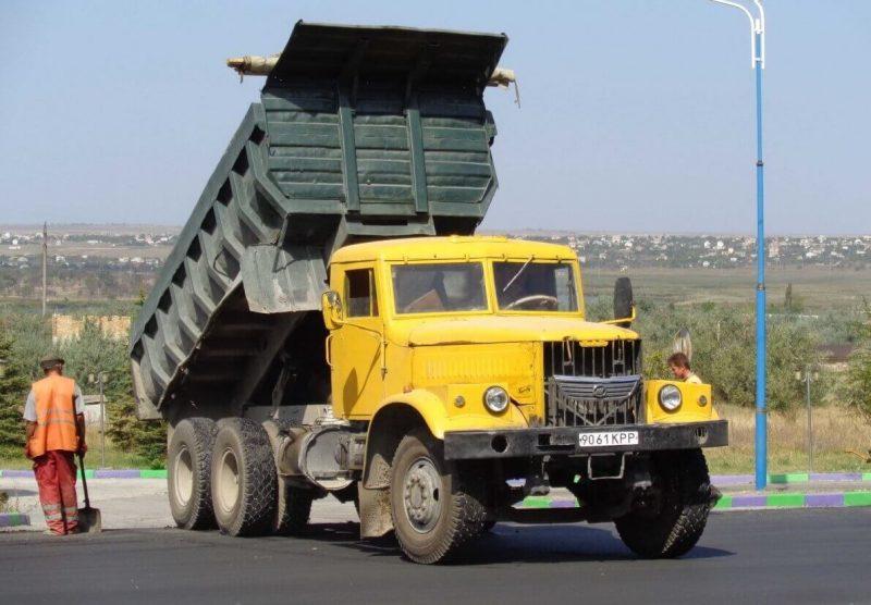 Авто КрАЗ-256