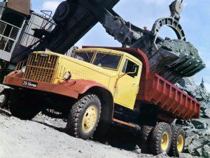 Автомобиль Kraz-256