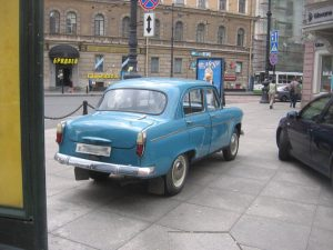 Moskvich-407 вид сзади