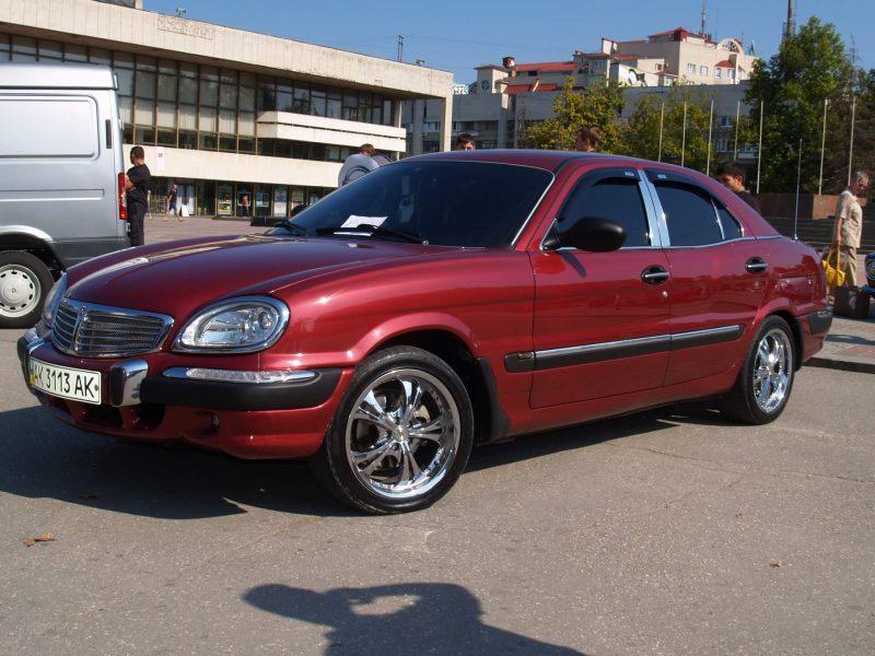 Волга-3111 в красном цвете