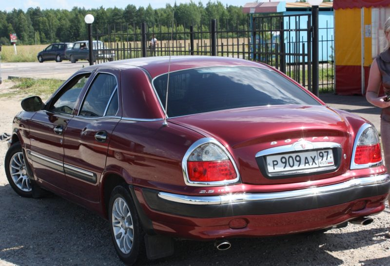 Авто ГАЗ \-3111 вид сзади