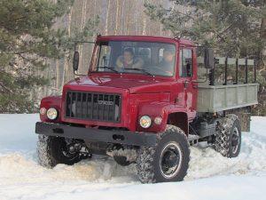 ГАЗ-3308 вид спереди