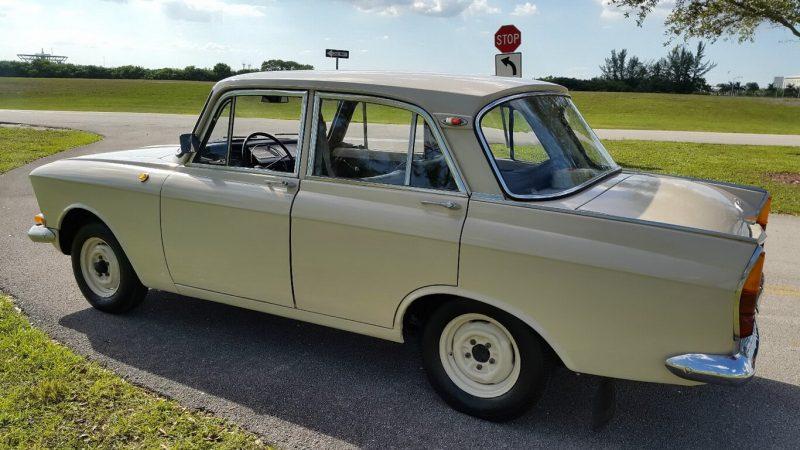 Седан Москвич-408