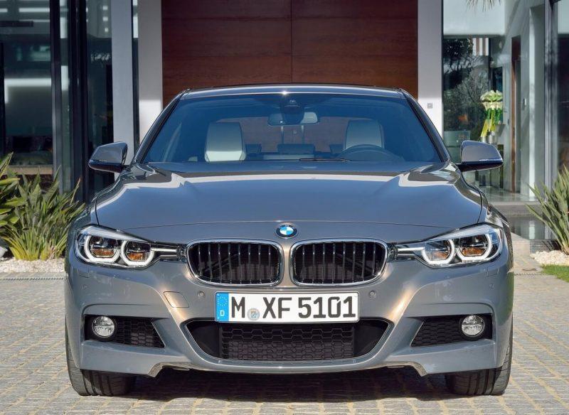 Вид спереди BMW 3-Series