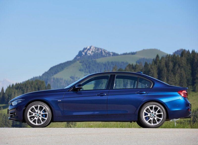 Вид сбоку BMW 3-Series