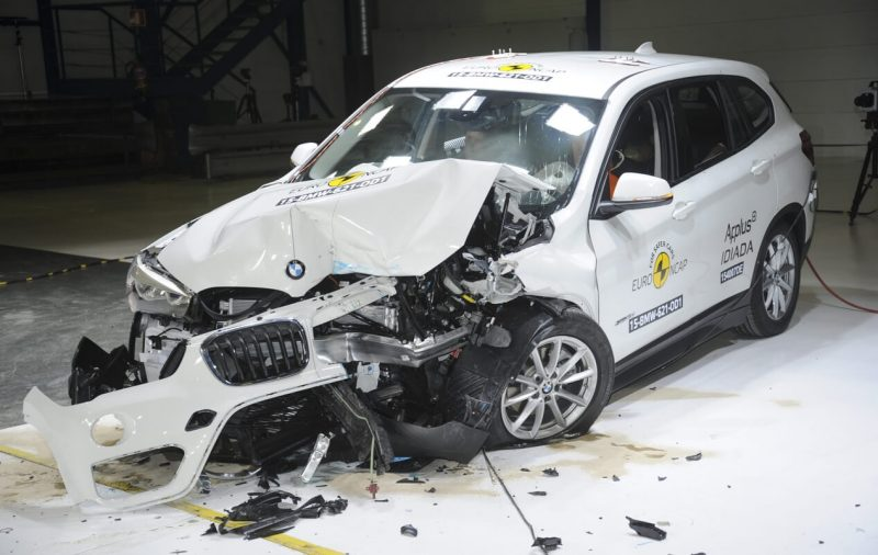 BMW X1 краш тест