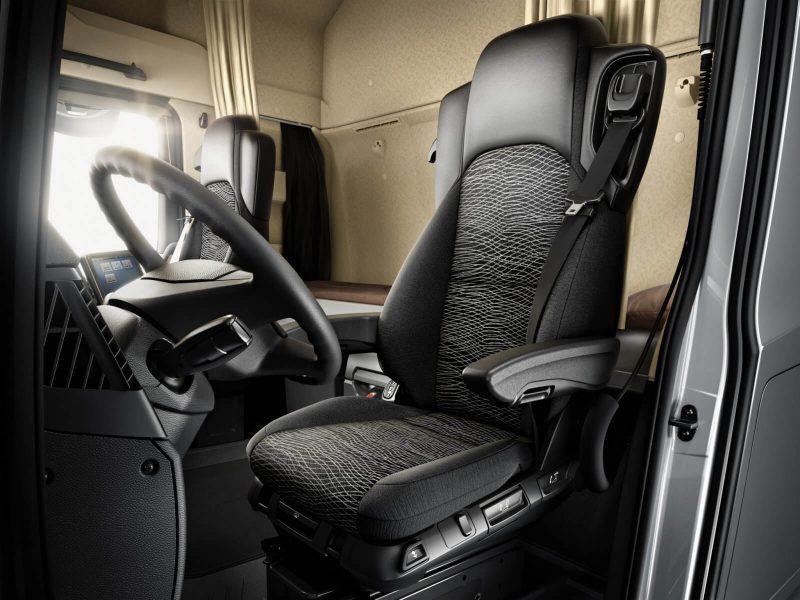 Видительское кресло Mercedes-Benz Actros