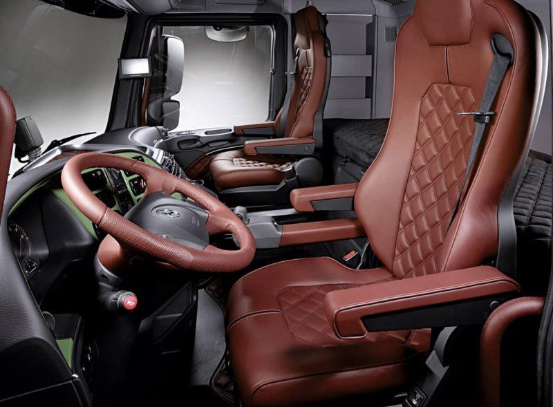 Mercedes-Benz Actros интерьер