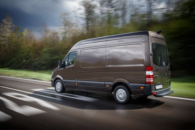 Фото Mercedes-Benz Sprinter нового микроавтобуса