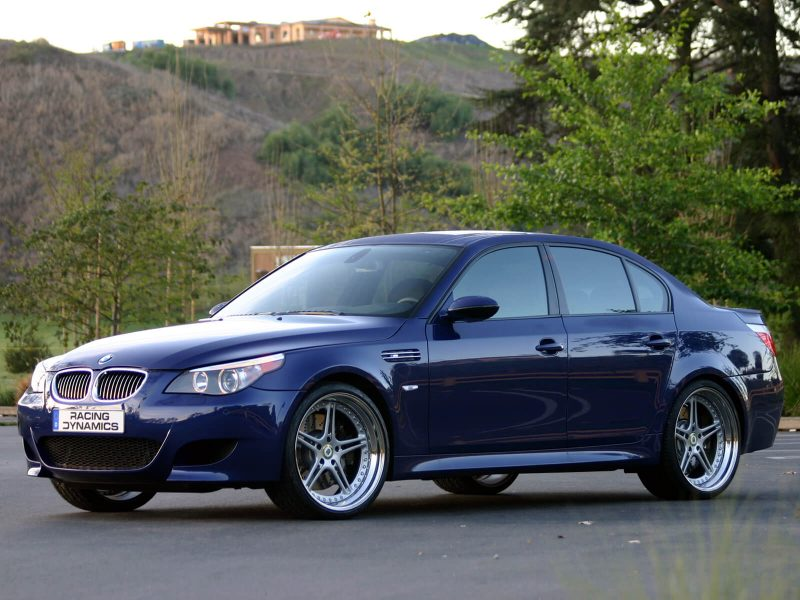 Авто BMW M5 (E60)