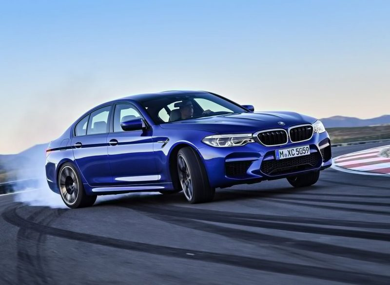 Авто BMW M5 (F90)