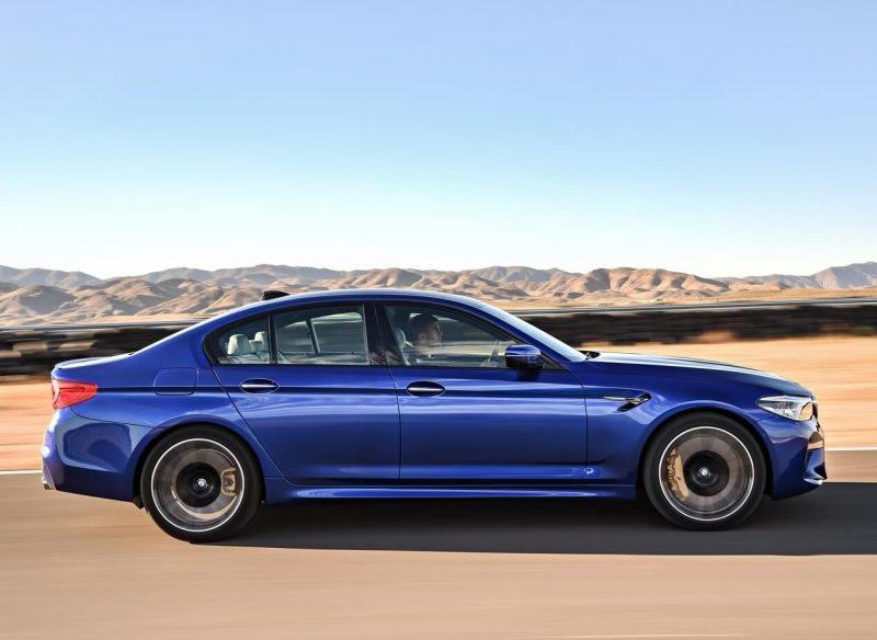 Вид с боку BMW M5 (F90)