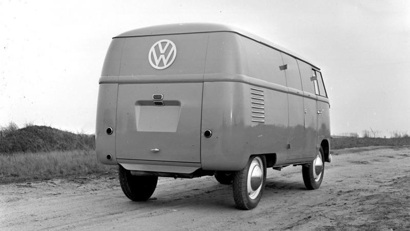 Вид сзади Volkswagen Transporter Т1