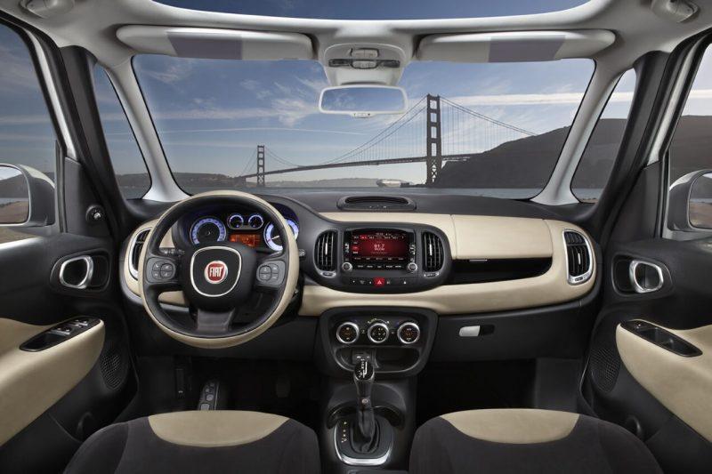 Fiat 500L салон