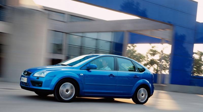 Ford Focus вид сбоку