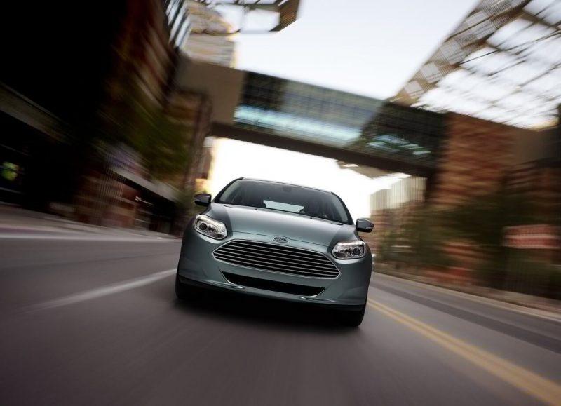 Ford Focus Electric вид спереди