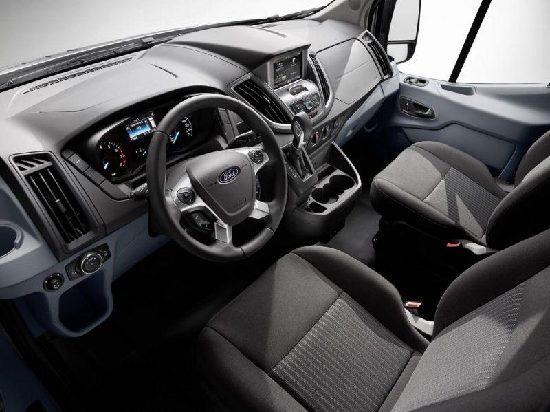Интерьер Ford Transit