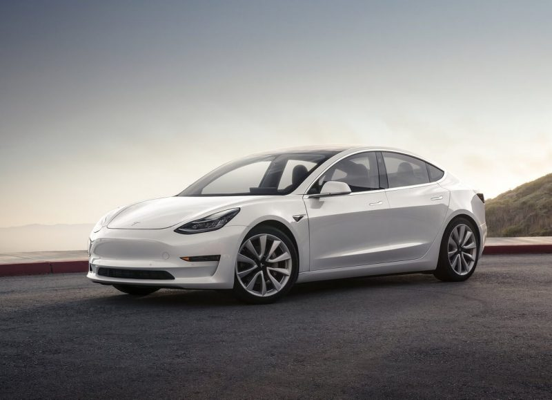 Авто Tesla Model 3