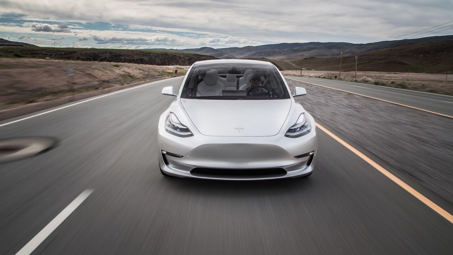 Картинки по запросу Tesla Model 3 спереди