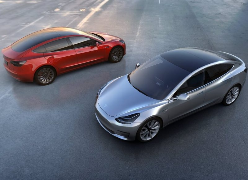 Tesla Model 3 фото