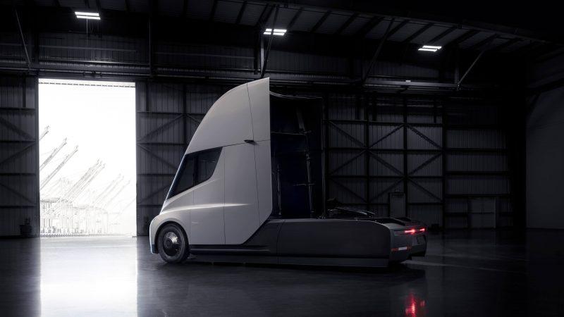 Tesla Semi фото