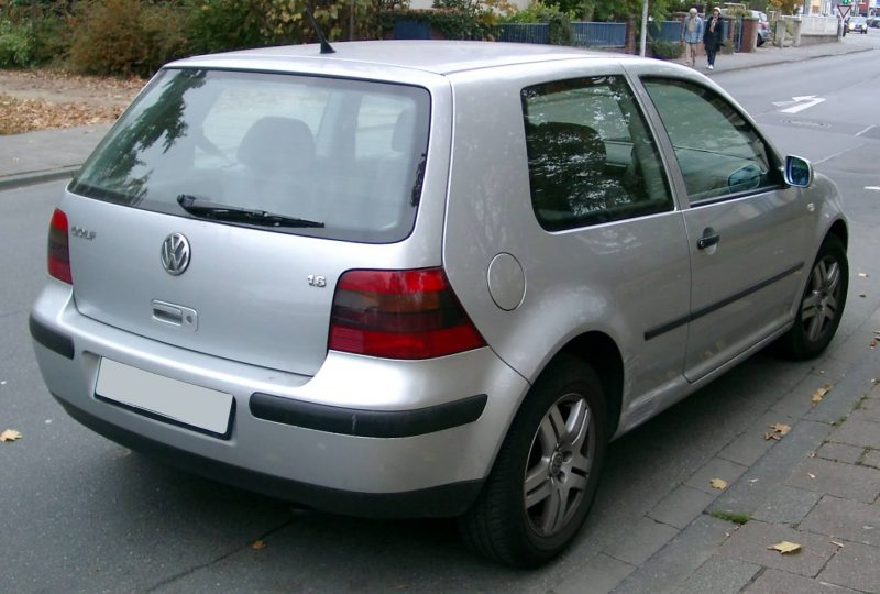 Авто Volkswagen Golf 4
