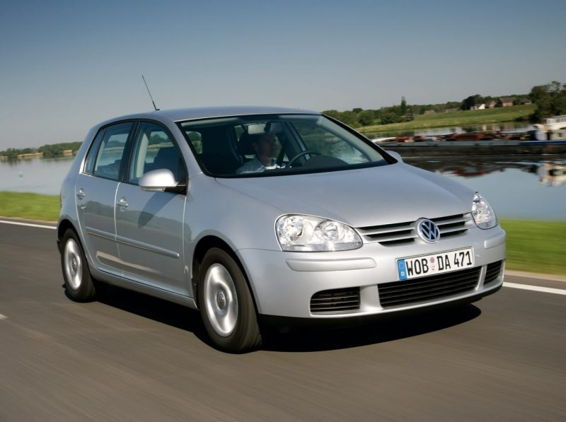 Авто Volkswagen Golf 5