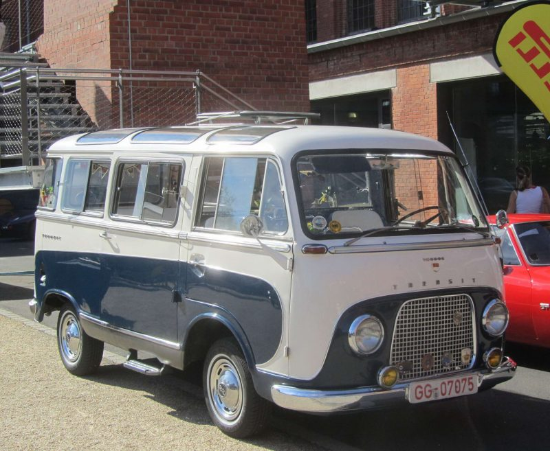 Авто Ford Taunus Transit