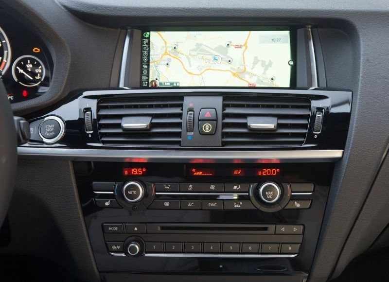 Дисплей BMW X4