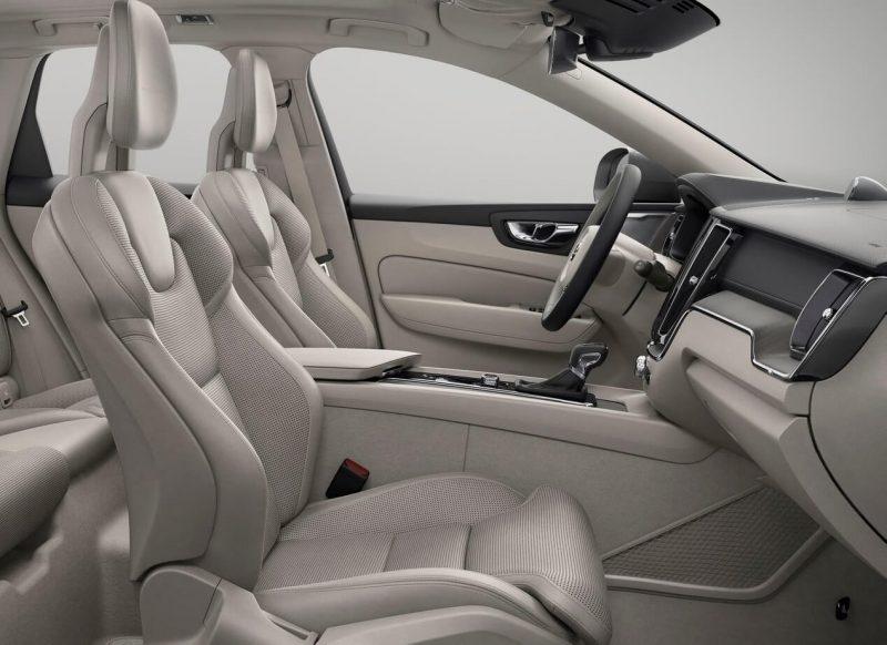 Передние кресла Volvo XC60