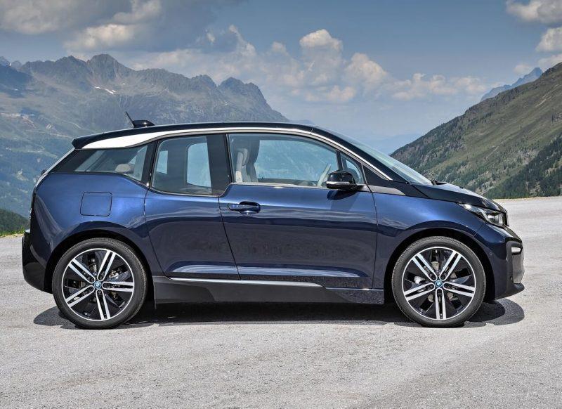 BMW i3 вид сбоку