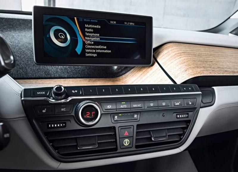 Мультимедийная система BMW i3