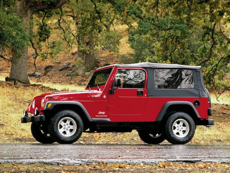 Вид сбоку Jeep Wrangler (TJ)