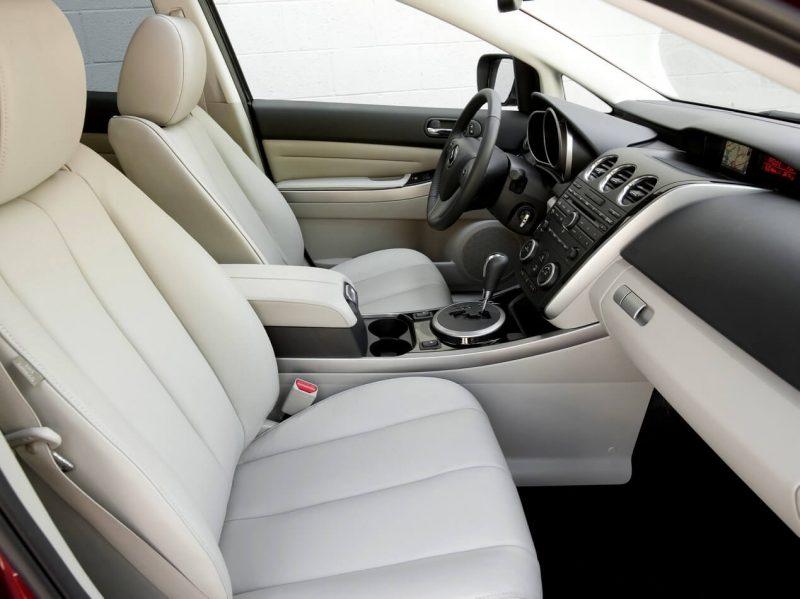 Передние кресла Mazda CX-7